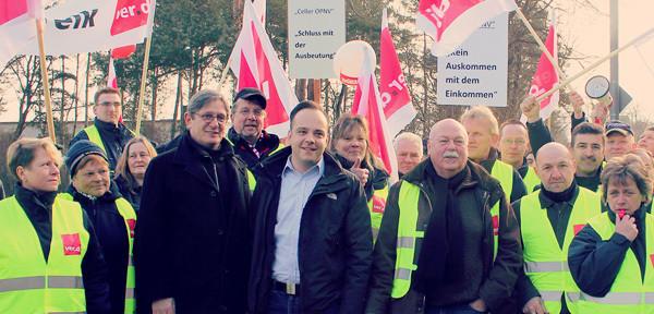 Gruppenfoto: Beim Streik der CeBus-FahrerInnen